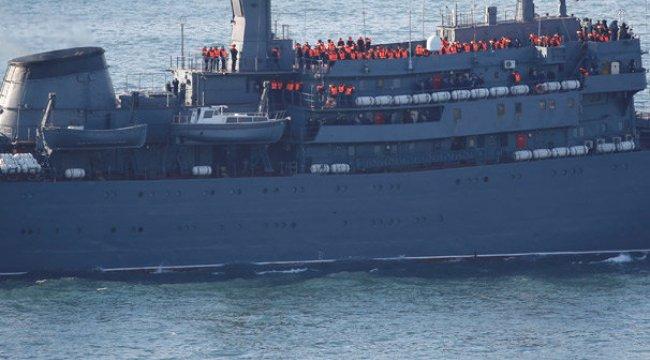 İstanbul Boğazı'ndan geçtiler! Rus donanmasına ait Perekop...