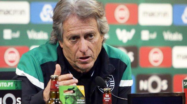 Kriz yaşanan Sporting Lizbon'da Başkan ile futbolcular toplantı yaptı