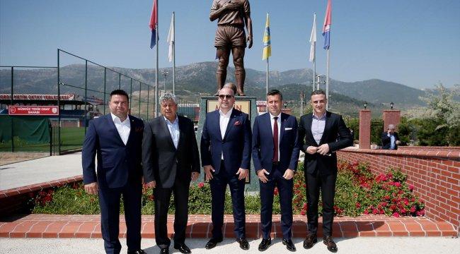 Lucescu Altınordu tesislerini ziyaret etti