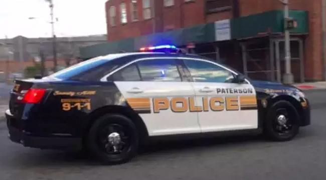 Paterson'da Uyuşturucu Satıcısı Polis Çıktı