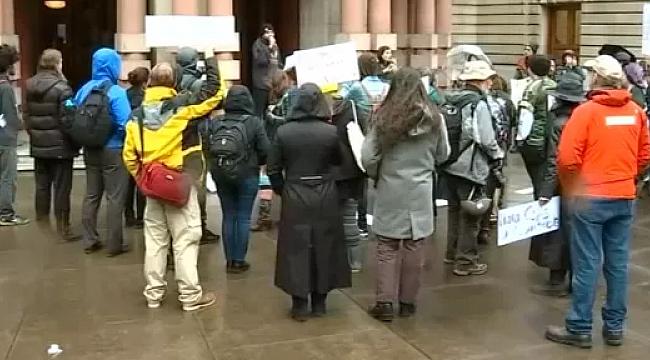 Polis Şiddeti Oregon'da Protesto Edildi