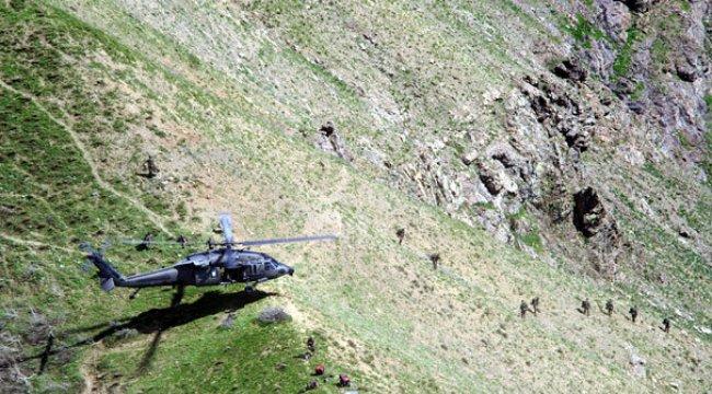 Türk ordusu sınırın 20 km içine asker indirdi