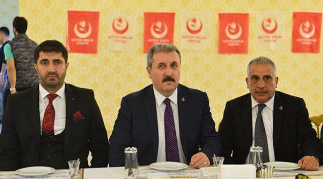 Türkiye Kürtlerinde Araplarında haklarını savunuyor