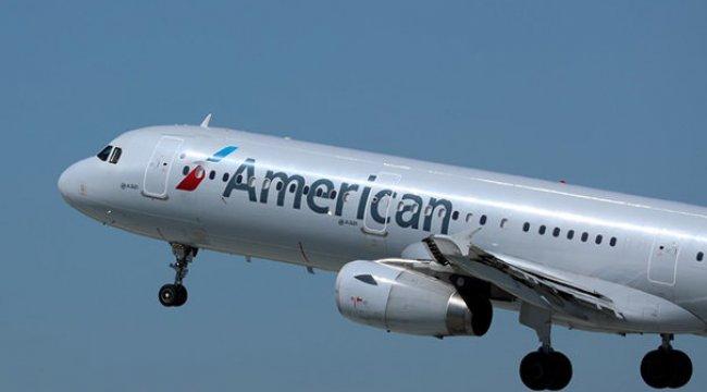 Uçaktan inmek istemeyen yolcuya şok tabancalı müdahale