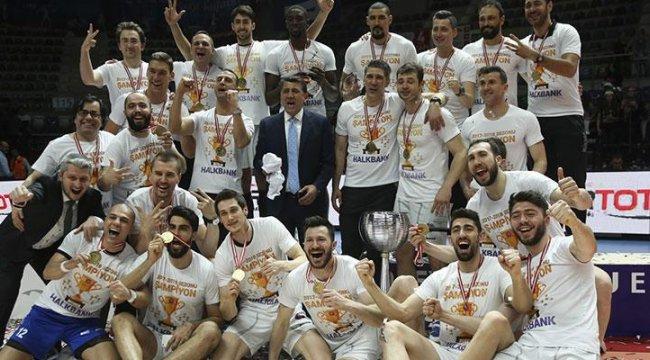 Voleybol Efeler Ligi'nde şampiyon Halkbank