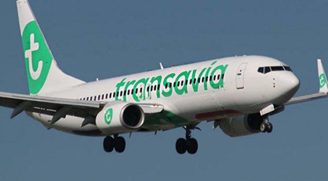 Antalya uçağında akılalmaz olay! Gizemli koku yayıldı, 8 yolcu...