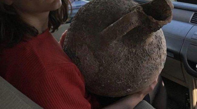 Balıkçılar ağlarına takılan tarihi eserleri devlete teslim etti