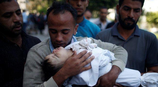 Büyük acı! İsrail'in öldürdüğü sekiz aylık bebek toprağa veriliyor
