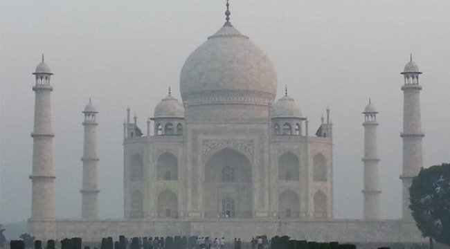 Dünyaca ünlü Tac Mahal tehdit altında!