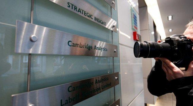 Cambridge Analytica şirketi kapanıyor