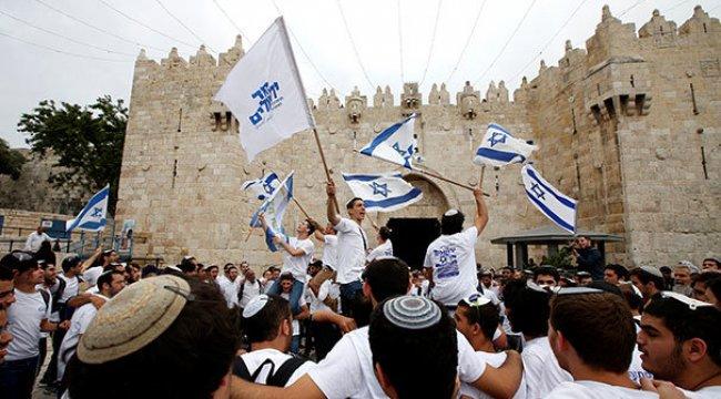 İsrailliler Doğu Kudüs'ün işgalini kutladı