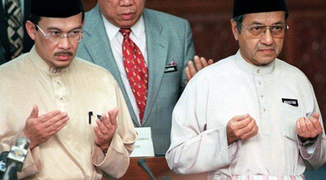 Malezya'da tarihi seçimin ardından Enver İbrahim'e 'Kraliyet affı'