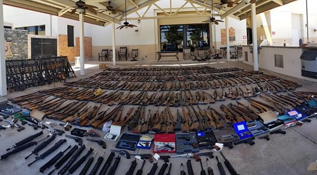 ABD'de Sabıkalının Evinde 500 silah çıktı