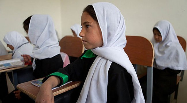 Afganistan'da çocukların yarısı okula gidemiyor