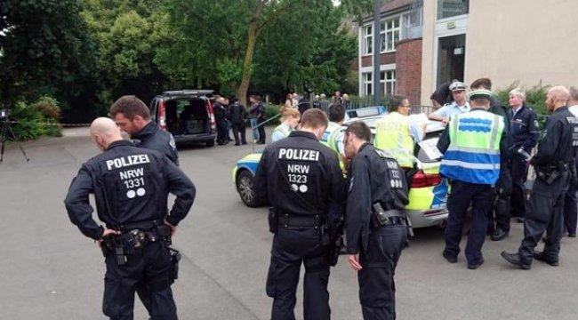 Almanya'da okulda bomba paniği! Her yer boşaltıldı