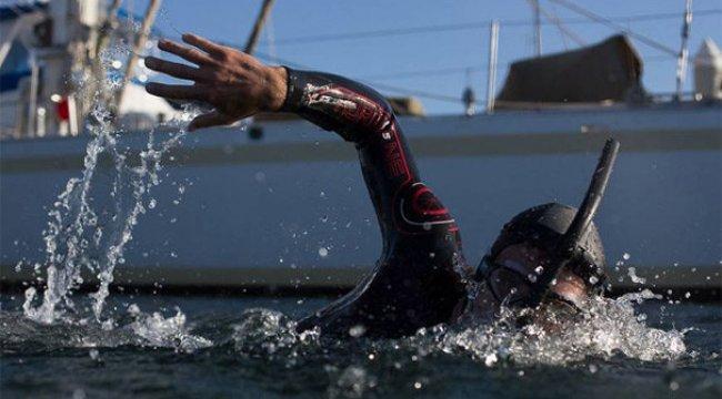 Büyük Okyanus'u yüzerek geçme denemesi