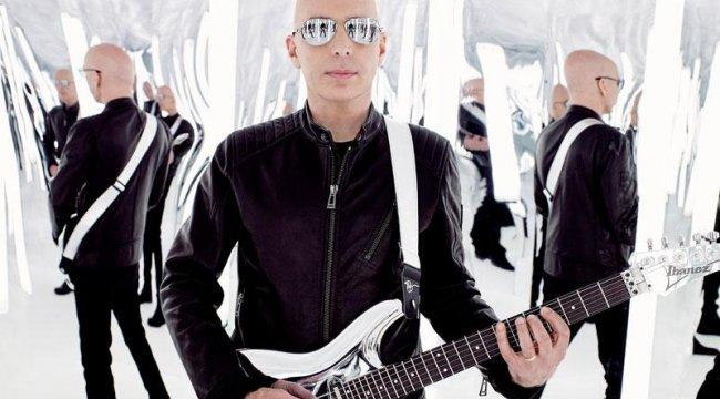 Efsane gitar virtüözü Joe SatrianiTürkiye'ye geliyor