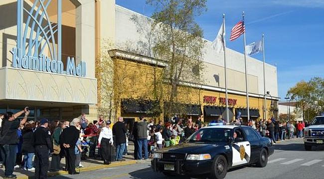 Hamilton Mall'de Çete Kavgası
