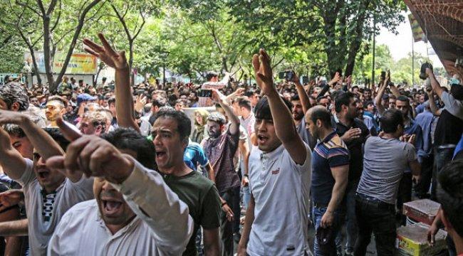 İran fena karıştı! Esnaf Meclis'e yürüdü