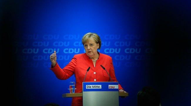 Merkel iki hafta zaman kazandı
