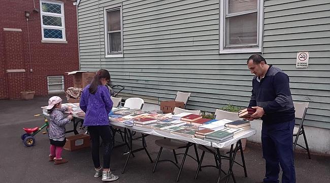 Paterson'da Diyanet Kitapları Standı