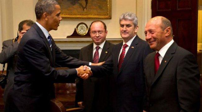 Romanyalı politikacının 'Obamalı' fotomontaj skandalı