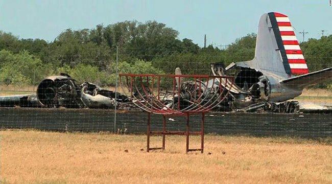 ABD'de 2. Dünya Savaşı'ndan kalma uçak düştü!