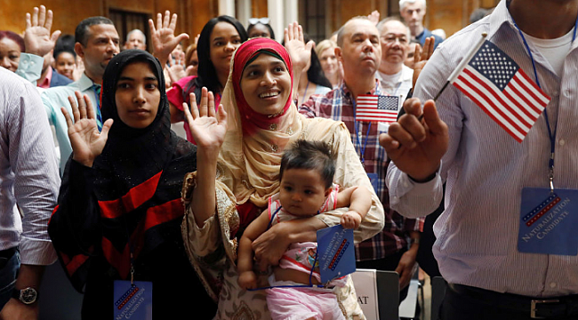 American Dream comes true for 200 immigrants who become U.S. citizens at New York City naturalization ceremony