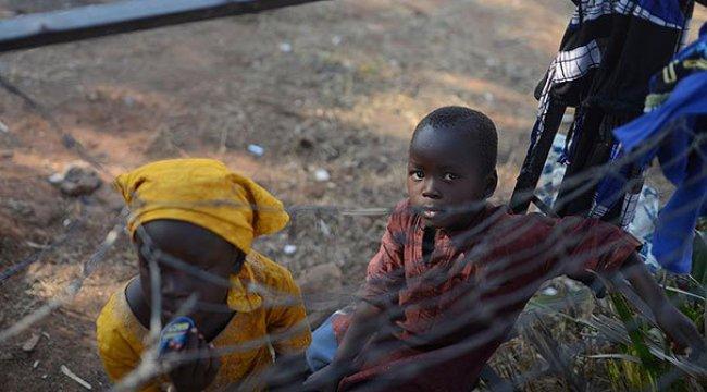 Boko Haram'dan kaçan binlerce kişi evlerine dönüyor