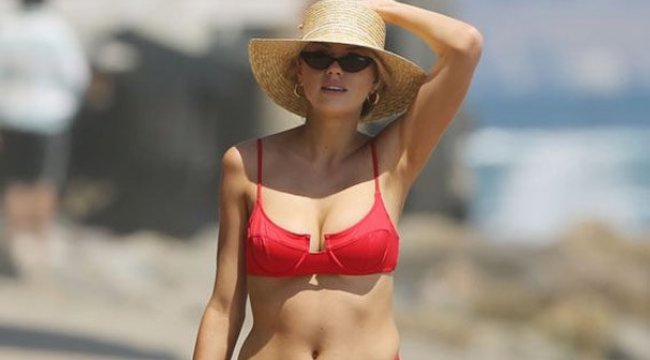 Charlotte McKinney, Malibu sahillerinde