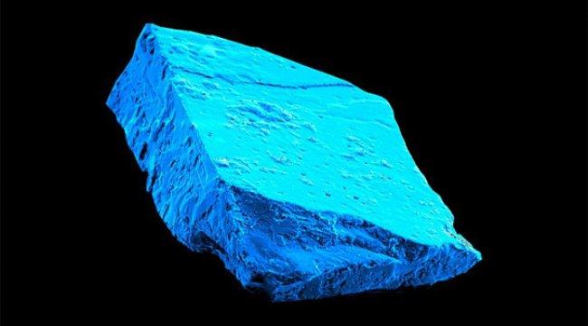 Mavi kristal Güneş sisteminin tarihine ışık tuttu