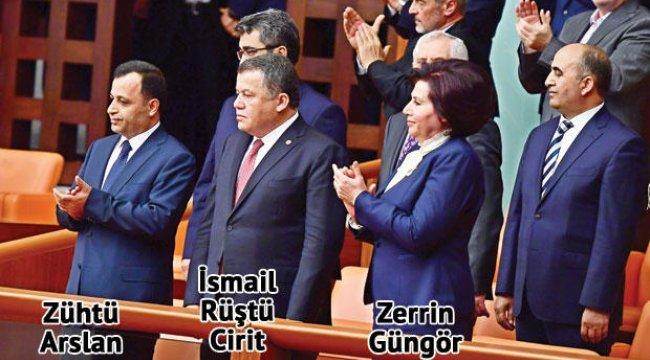 Parlementer sisteme böyle veda ettiler
