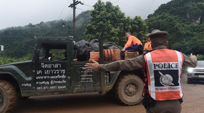 Tayland'da üç çocuk daha kurtarıldı