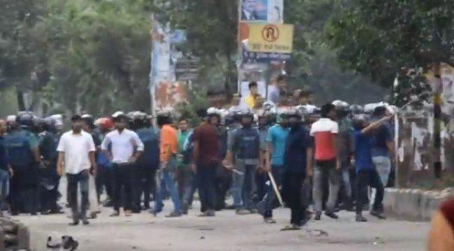 Bangladeş'te ABD Büyükelçisinin konvoyuna saldırı