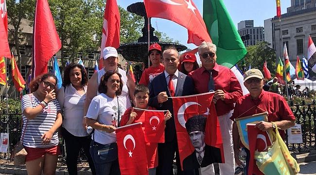 Brooklyn 5. Dostluk Festivalinde Türk Bayrağı