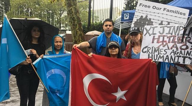 ABDli Türkler Urumçi'de ki Zulmü Protesto Etti