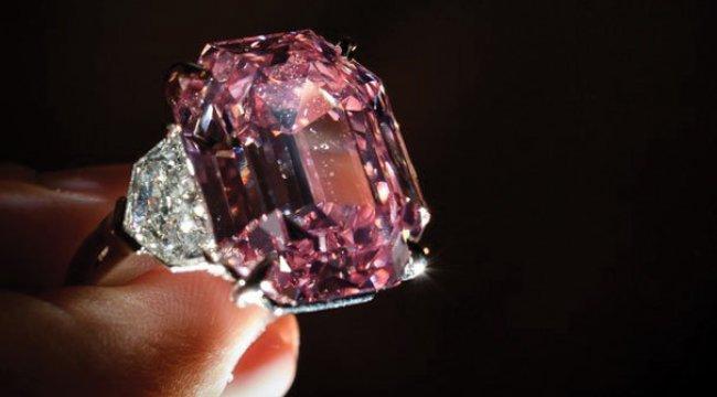 Dünyanın En Pahalı Mücevherini Amerikalı Aldı