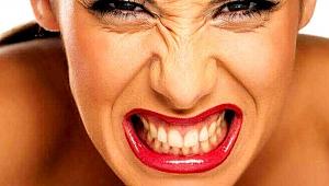 Gece uykusunda diş sıkanlar dikkat