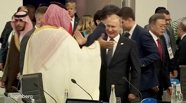 Prens Selman ile Putin'in Çak Tokalaşması