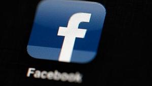 Facebook'tan darbe! Hesaplarını sildi...