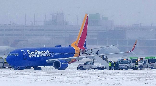 Amerika'da Kar Nedeniyle Uçak Seferleri İptal Edildi