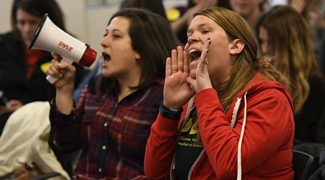 Denver'de Öğretmenler Greve Gidiyor