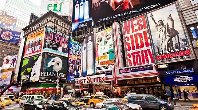 New York'un En Renkli Köşesi: Times Meydanı