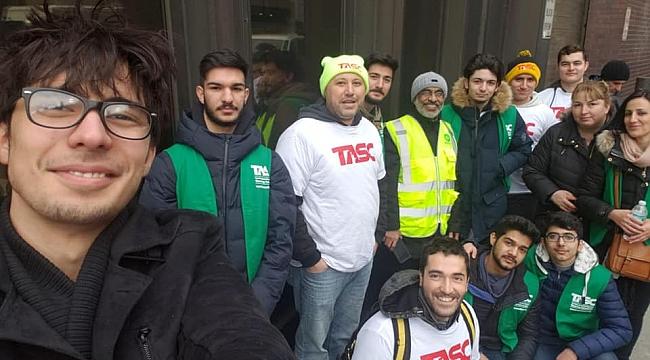 New Yorklu Türkler Evsizlere Yemek Dağıttı