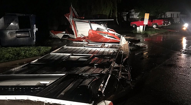 2 dead, unknown number missing after tornado hits El Reno, Oklahoma