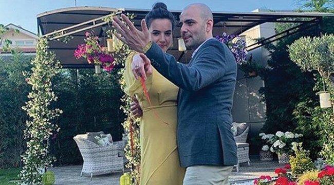 Bartu Küçükçağlayan nişanlandı
