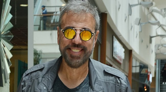Hamdi Alkan'ın gözlükleri dikkat çekti