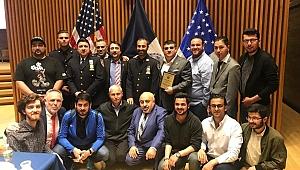 New York Polisinden Kulakların Pasını Silen Kur'an Tilaveti