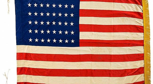 ABD Bayrağının Yakılmaması için Kongre Harekete Geçti