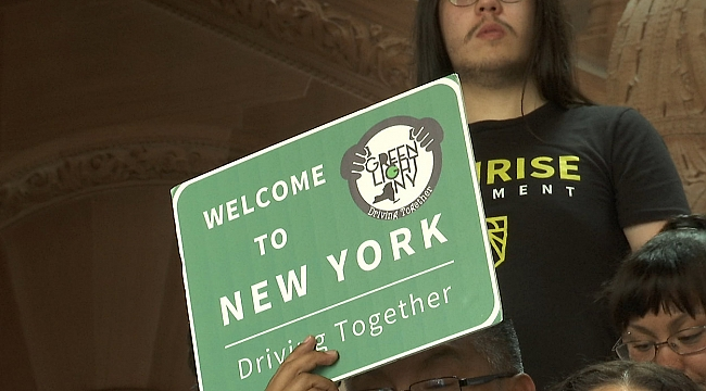 Kaçak Göçmenler New York'ta Ehliyet Alabilecek